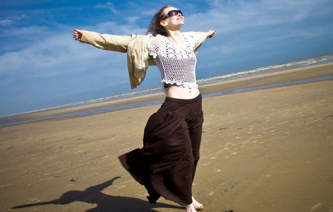 on-the-beach-1430108-1280x1280